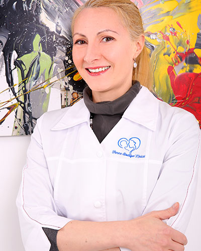 Dr. Mona Zvanca - Medic primar obstetrica-ginecologie. Supraspecializare in medicina materno-fetala Femme Boutique Medical I Femmeboutiquemedical.com