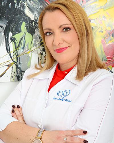 Dr. Andreea Gorcea - medic primar obstetrica - ginecologie, medicina materno - fetala Femme Boutique Medical I Femmeboutiquemedical.com