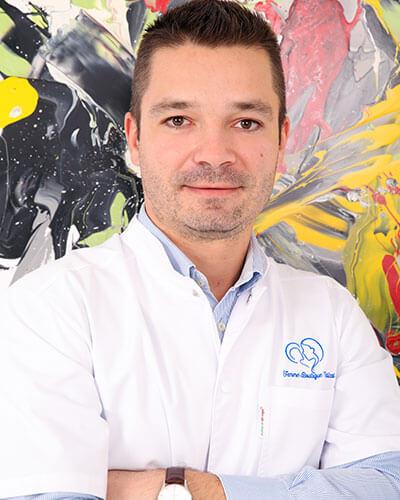 Dr. Andrei Oncescu - medic specialist obstetrica - ginecologie, medicina materno - fetala Femme Boutique Medical I Femmeboutiquemedical.com