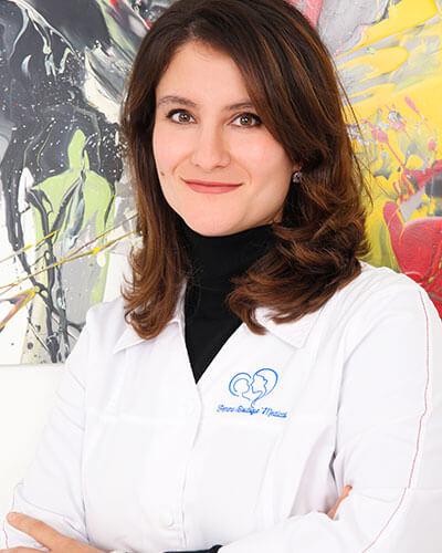 Dr. Cristina Damian - medic specialist obstetrica - ginecologie Femme Boutique Medical I Femmeboutiquemedical.com