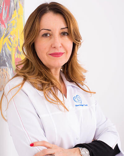 Dr. Daniela Oprescu - medic primar obstetrica - ginecologie Femme Boutique Medical I Femmeboutiquemedical.com