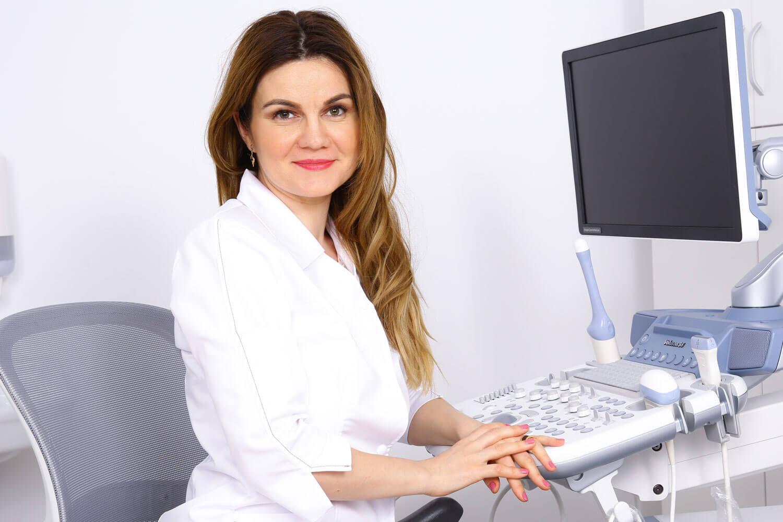 Dr. Ruxandra Albu - medic primar obstetrica - ginecologie, medicina materno - fetala Femme Boutique Medical I Femmeboutiquemedical.com
