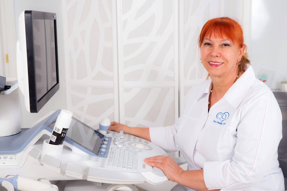 Dr. Valentina Vargolici - medic specialist obstetrica - ginecologie si medicina materno - fetala Femme Boutique Medical I Femmeboutiquemedical.com