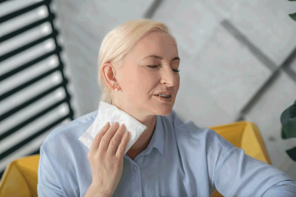 Menopauza - simptome si etape - Dr. Cristina Teodorescu, medic specialist obstetrica - ginecologie Femme Boutique Medical I Femmeboutiquemedical.com