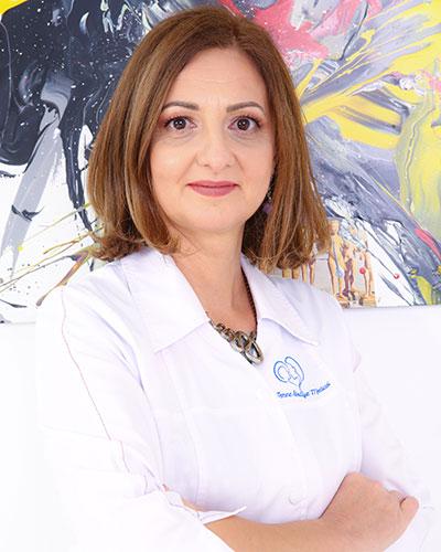 Dr. Laura Davidescu - Medic Specialist Igienă, Master în Nutriție și Siguranță Alimentară I Consultant Metabolic Balance Femme Boutique Medical I Femmeboutiquemedical.com