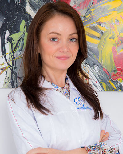 Dr. Luiza Maria Guzga - medic specialist obstetrica - ginecologie, supraspecializare in medicina materno fetala Femme Boutique Medical I Femmeboutiquemedical.com